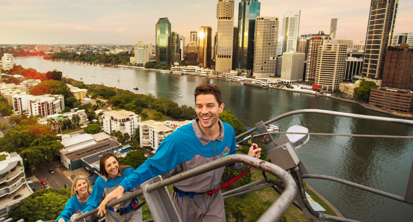 Climbing Kangaroo Point bridge